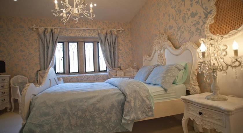 Deluxe Double Room Manor Court