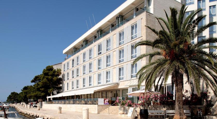 Best time to travel Solin Adriana Hvar Spa Hotel