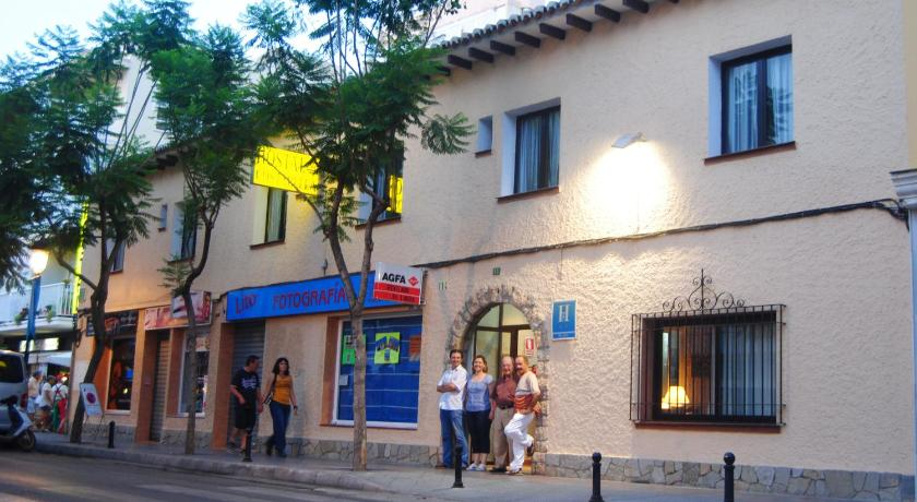 Hostal Costabella
