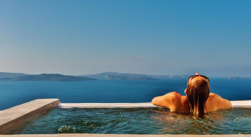 Best time to travel Greece Chroma Suites