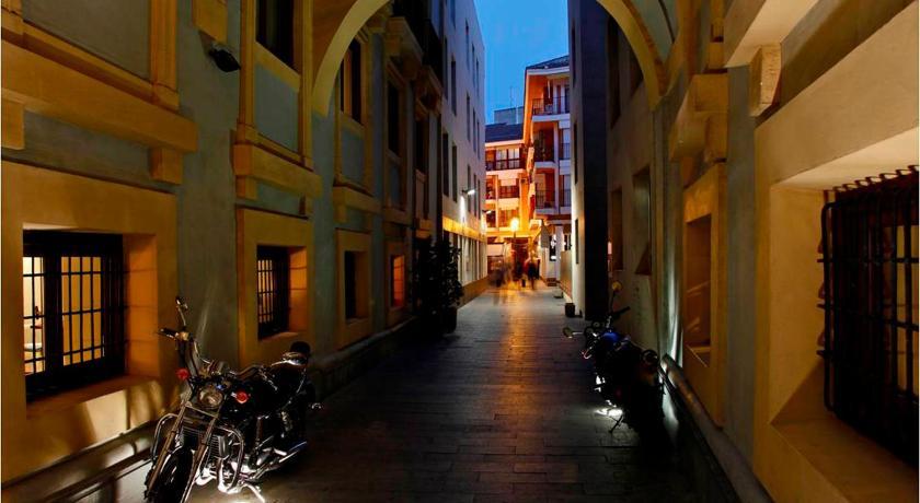 Best time to travel Murcia Hotel Arco De San Juan