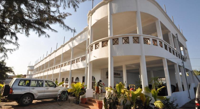 Best time to travel Sukuta Afroco Apartments