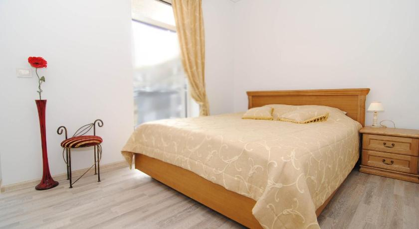 Balkonlu Daire Linos One-Bedroom Apartment