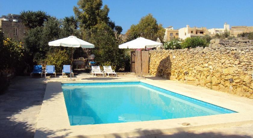 Best time to travel Malta La Gozitaine
