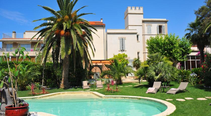 Best time to travel Marseille Villa Valflor
