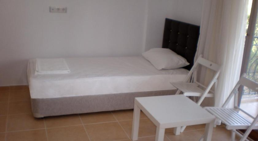 Deluxe Triple Room Karia Apart&Pension