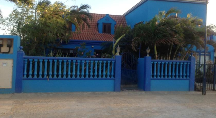 Double Room with Private Bathroom DE CUBA BED & BREAKFAST