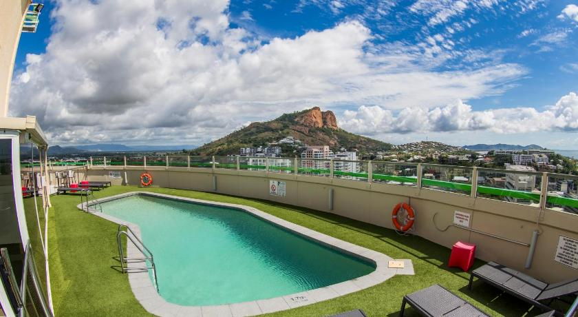 Hotel Grand Chancellor Townsville (formerly Holiday Inn ...