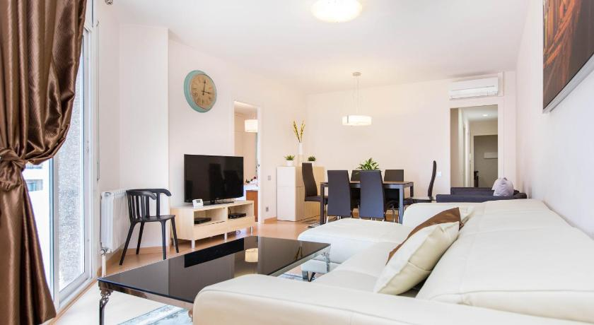 Best time to travel Barcelona Stay Barcelona Central Apartments