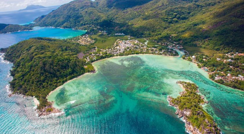 Best time to travel Seychelles Constance Ephelia