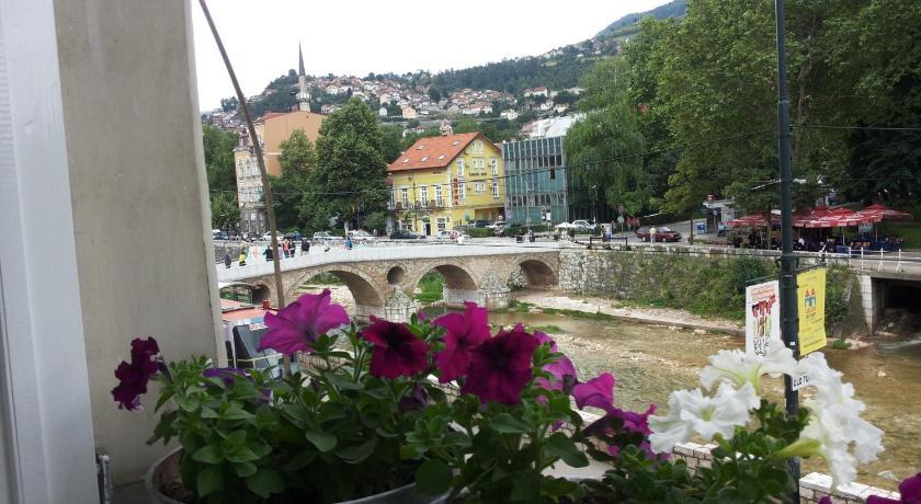 Best time to travel Bosnia and Herzegovina Studio Park