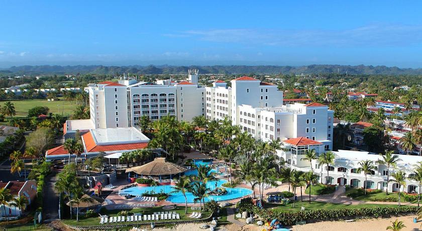 Best time to travel Levittown Embassy Suites by Hilton Dorado del Mar Beach Resort