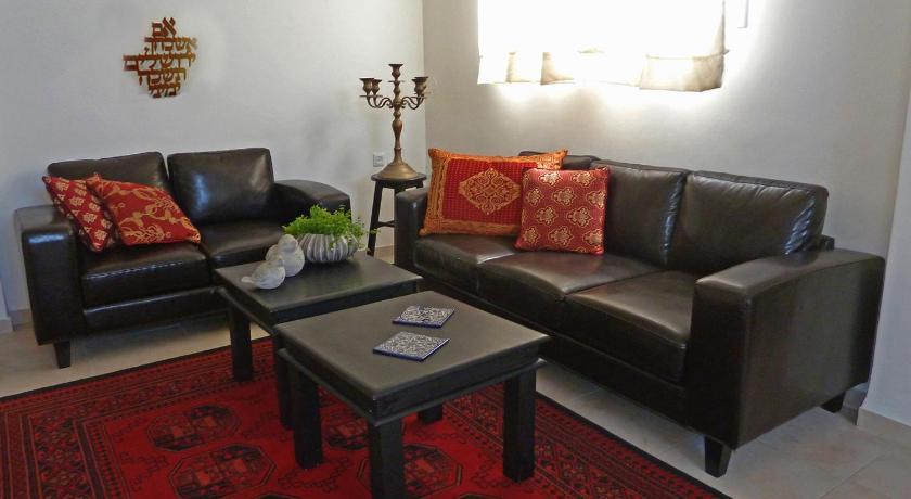Best time to travel Jerusalem Old Katamon Apartment
