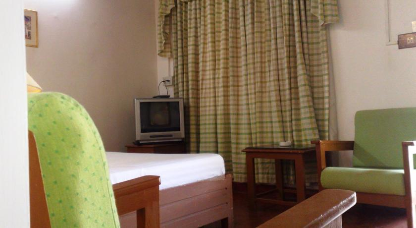Deluxe Double Room  (Non AC) Springs inn