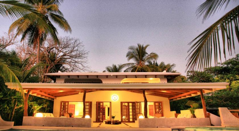 Best time to travel Chacarita Hotel Tropico Latino