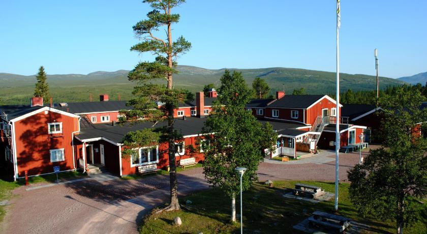 Best time to travel Sweden STF Grövelsjön Fjällstation