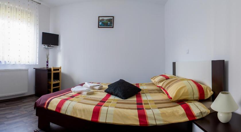 Deluxe Double Room Guest House Buk