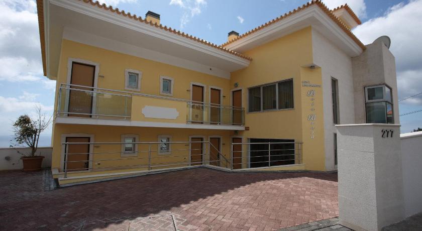 Best time to travel Portugal Hotel Apartamentos Baia Brava