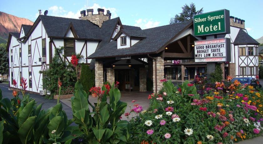 Best time to travel United States Silver Spruce Inn