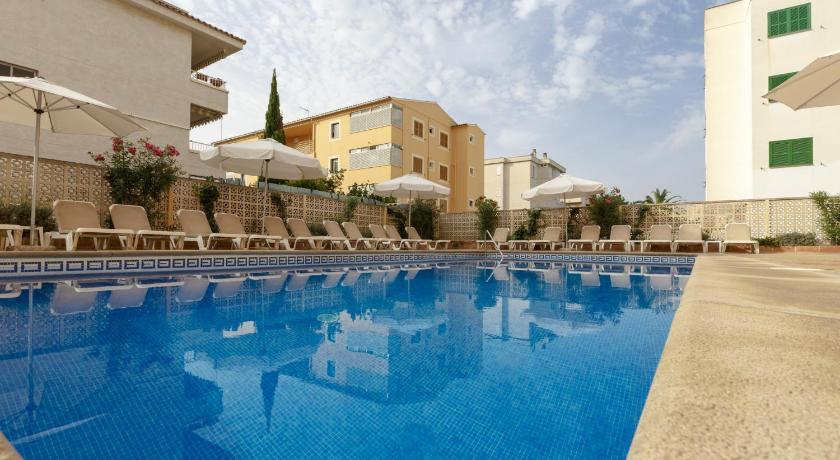Best time to travel Majorca Hotel Golf Beach