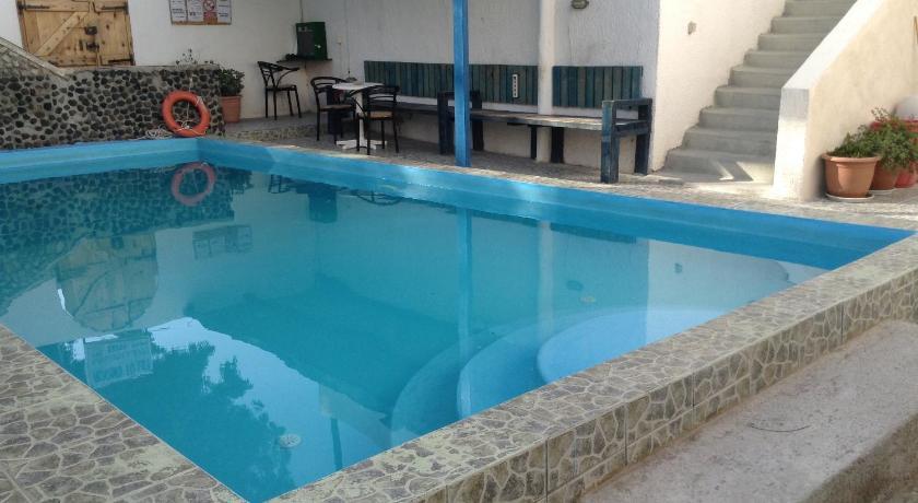 Best time to travel Santorini Katerina & John's Hotel