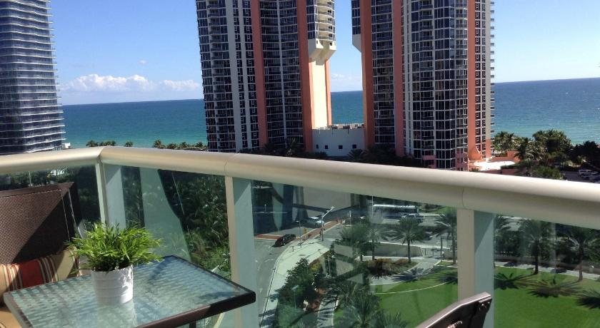Best time to travel United States Apartments in Sunny Isles Collins Avenue