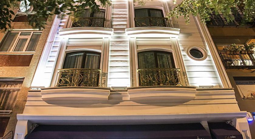 Best time to travel Istanbul Rawda Hotel Bakirkoy