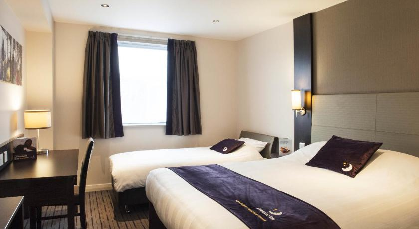 Habitación Triple (2 adultos + 1 niño) Premier Inn London Wandsworth