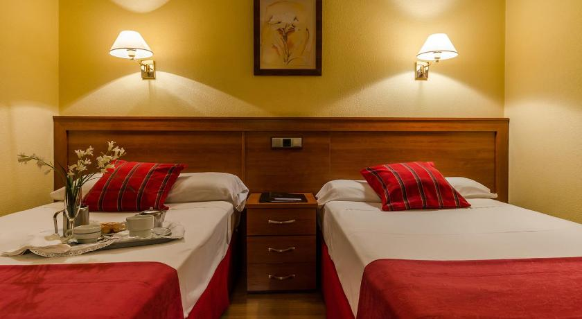 Best time to travel Spain Hotel Zodiaco