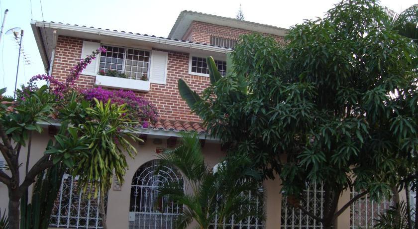 Best time to travel Eloy Alfaro Casa Celia