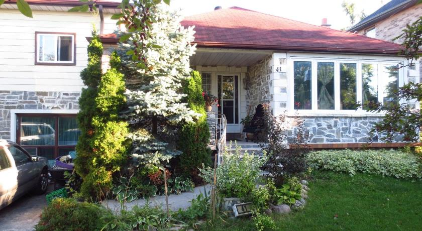 More about North York BB Bed & Breakfast