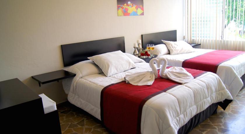 Best time to travel Honduras G y V Hotels