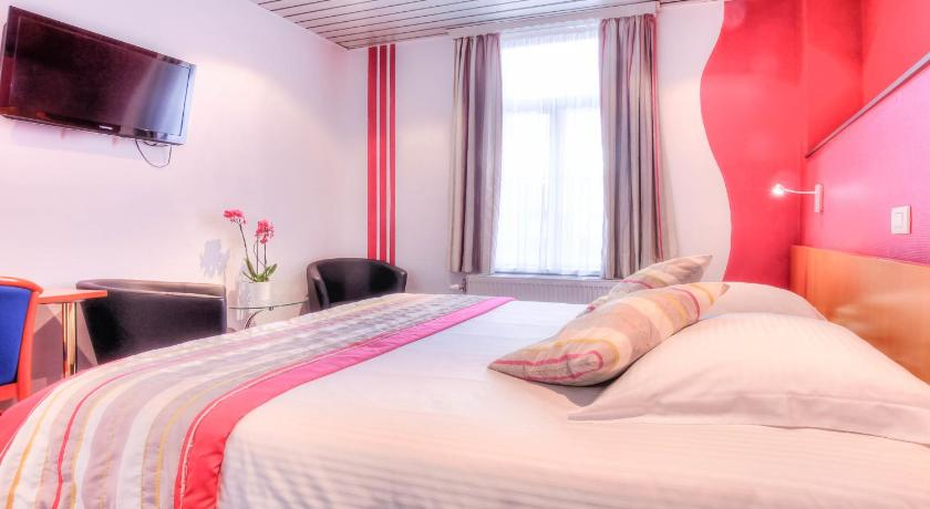 Best time to travel Charleroi Hotel Le Terminus