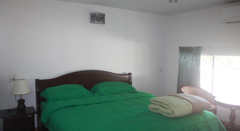 Budget Double Room Nong Nuey Rooms