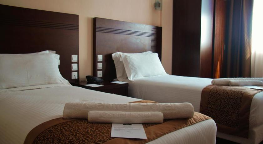 Triple Room with Private Bathroom Central Hotel Tana