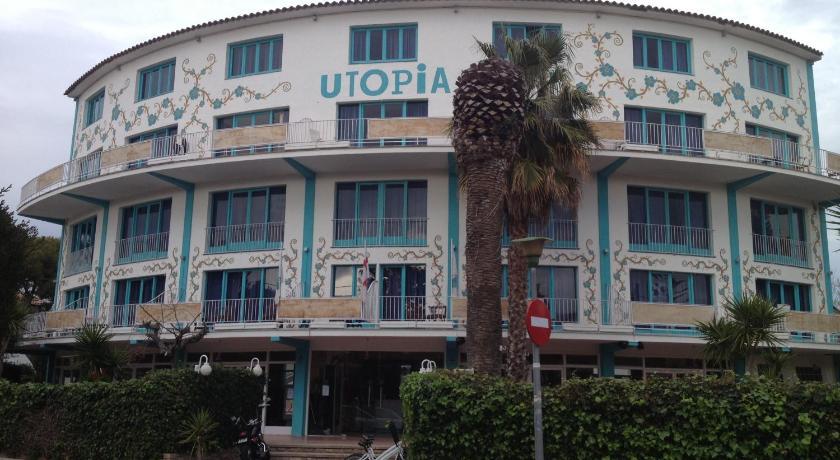 Best time to travel Badalona Utopia Beach House