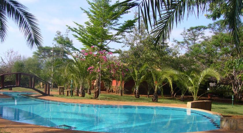 Best time to travel Kenya Leopard Rock Lodge