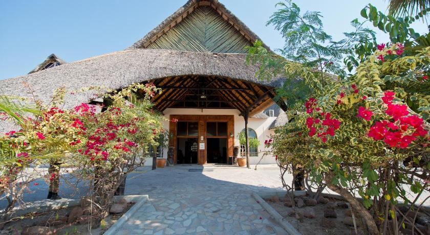 Best time to travel Oshakati Oshakati Country Hotel