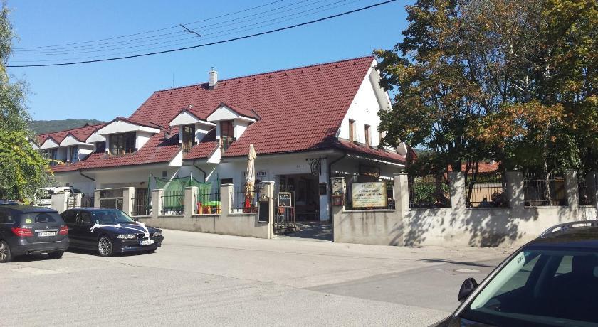 293424b454 Best time to travel Slovakia Penzión U Srnčíka