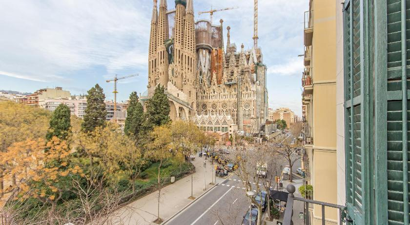 SCENARIO & LLUM - Sagrada Familia - Barcelona