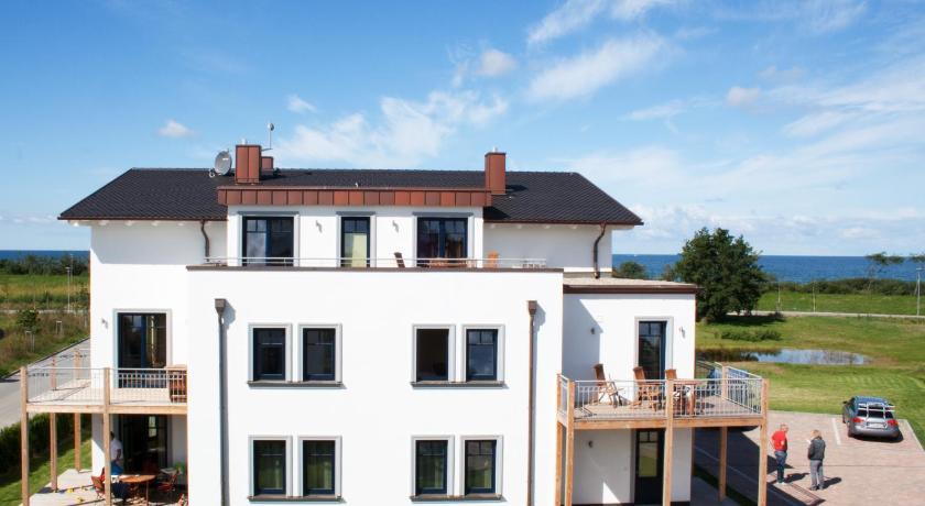 Best time to travel Germany Ferienwohnungen Strandvilla Börgerende