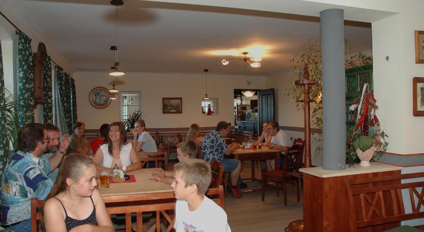 Hotel Zur Schonen Aussicht Feldkirchen Westerham Ab 61 Agoda Com
