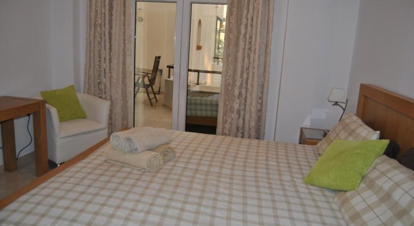 Two-Bedroom Apartment (4 Adults) Las Golondrinas