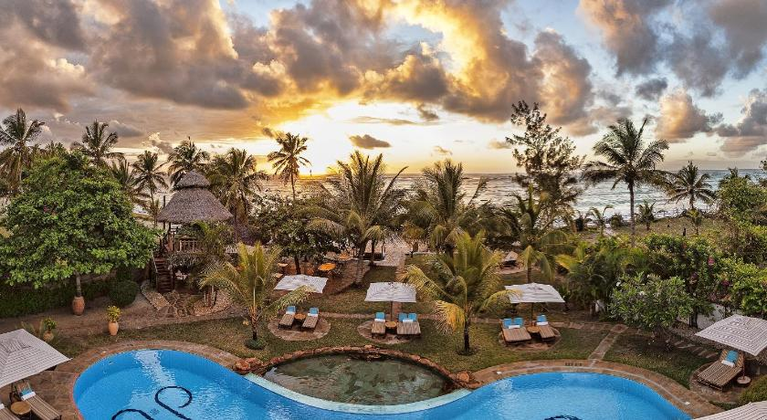 Best time to travel Kenya Afrochic Diani