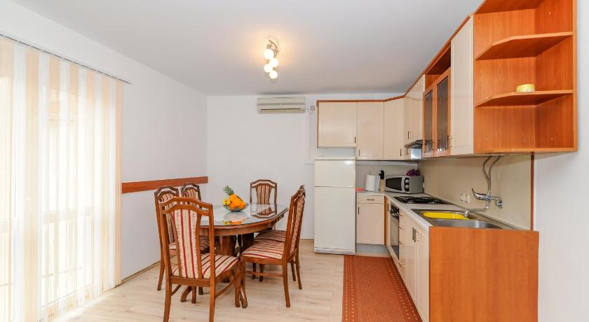 Two-Bedroom Apartment Apartment Orlovic Old Town