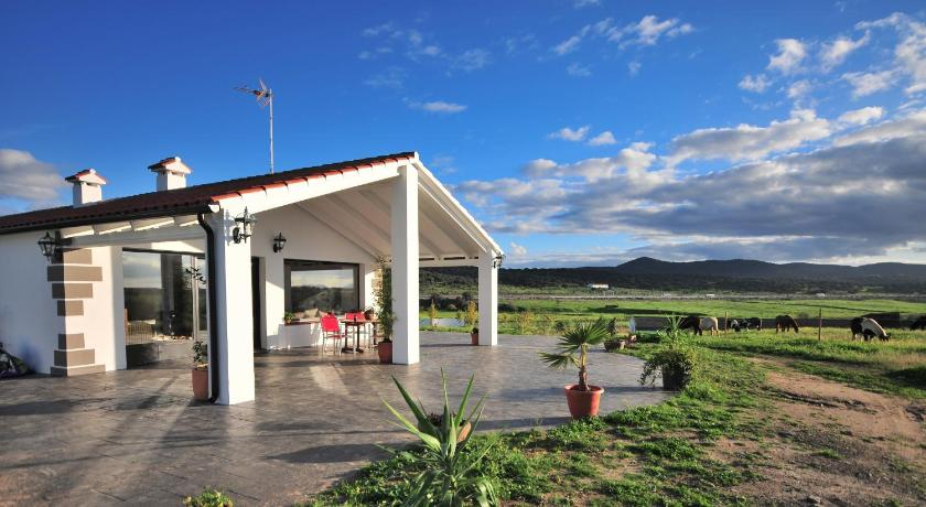 Best time to travel Spain Casa Rural Cruces de Caminos