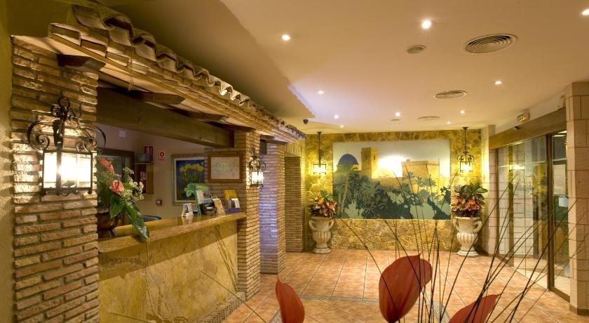 Best time to travel Elche Hostal La Posada