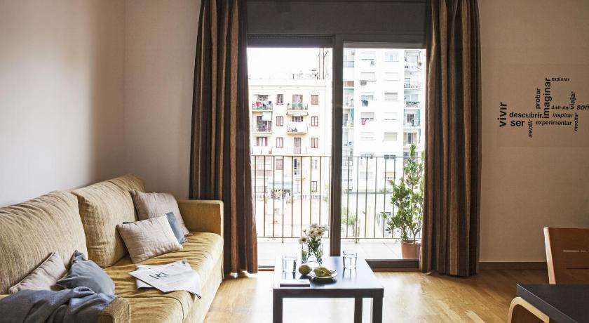 AinB Eixample-Entença Apartments - Barcelona
