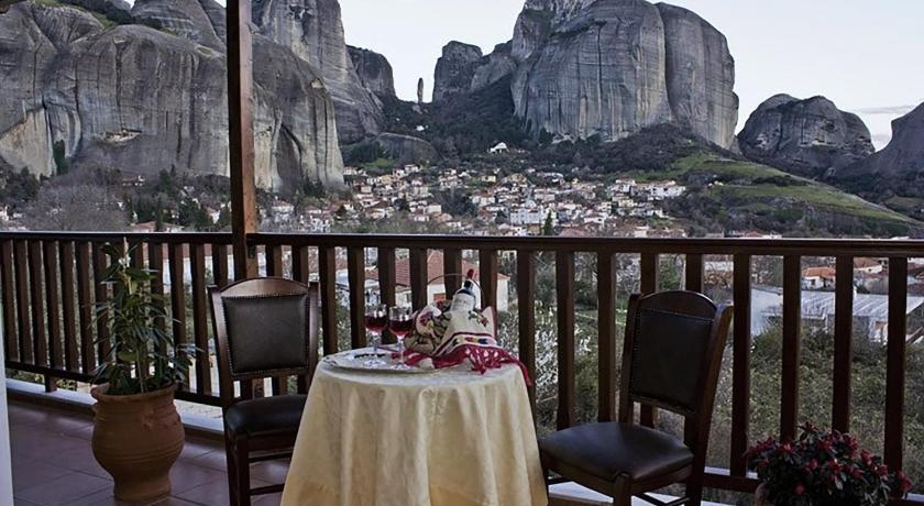 Best time to travel Greece Hotel Doupiani House