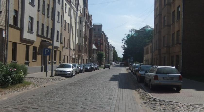 Apartment in Quiet Center - 10min Arena Riga